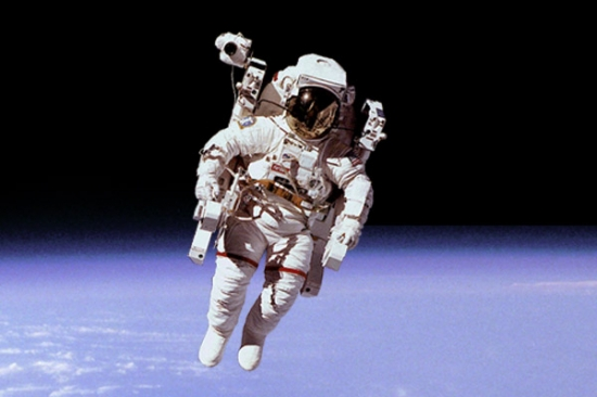 astronaut-550x366