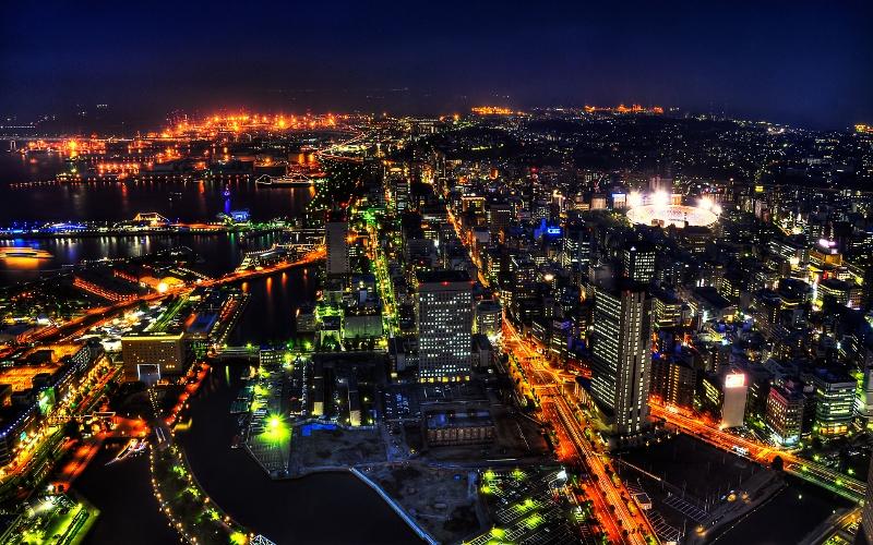 Tokio kesklinn öösel.