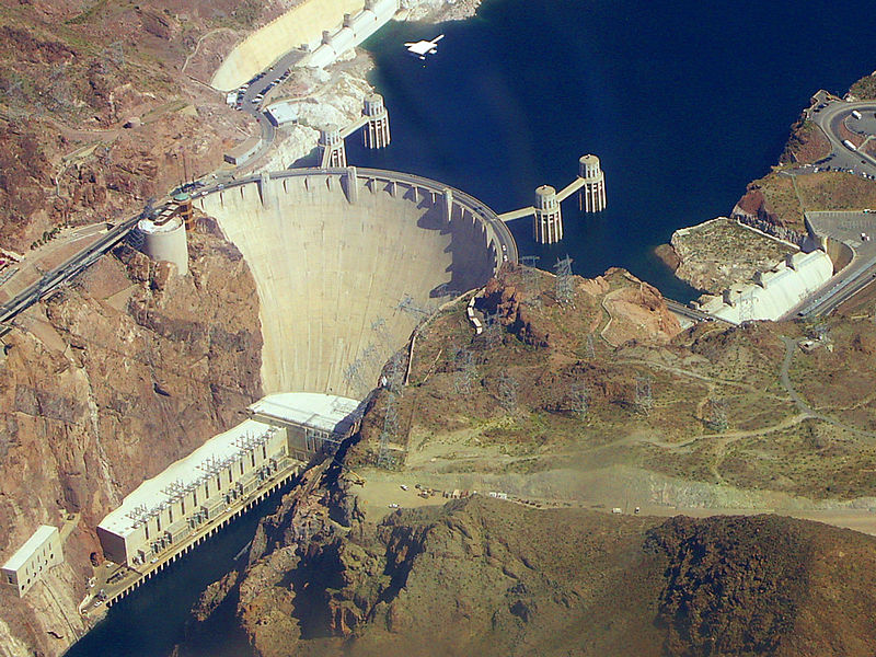 800px-Hoover_dam_from_air
