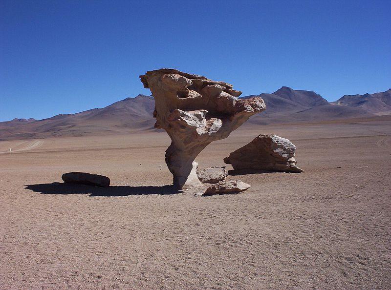Tuule kulutatud kivi Altiplanos Boliivias.