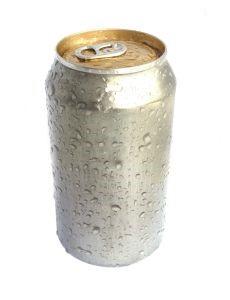 Alumiiniumist valmistatud joogipurk