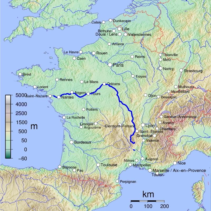 Loire jõe kulgemine mäest tasandikule