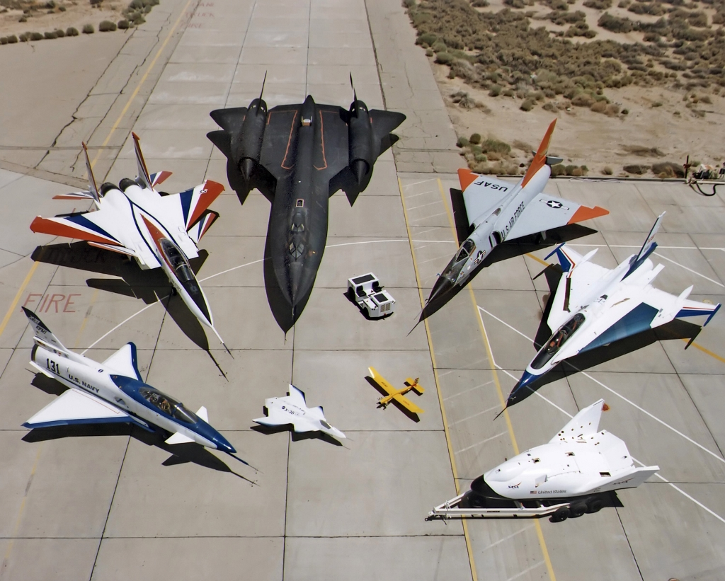 Collection_of_military_aircraft (1024x821)