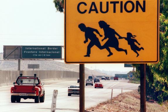 Hoiatus immigrantide eest USA ja Mehhiko piiril
