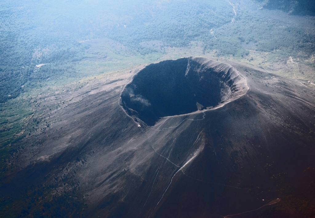 Vesuvius_from_plane