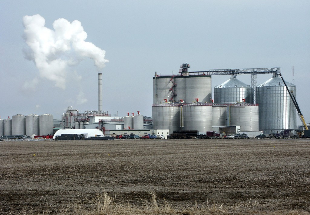 Etanooli tehas