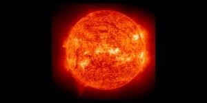 Nasa pilt: ioniseeritud heeliumi aatomid umbes 60000 0C juures päikese väliskihtides