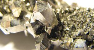 Nioobiumi kristallid